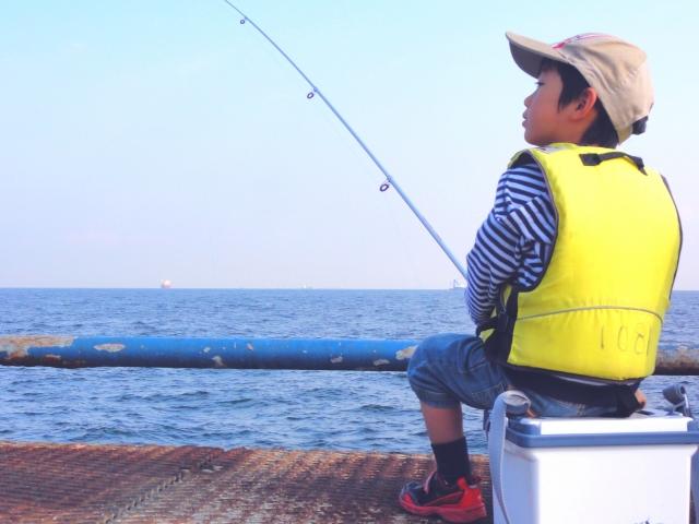 【冬でもあたたか】神奈川県の相模湖でワカサギ釣り!初心者でも簡単なおすすめアウトドア!
